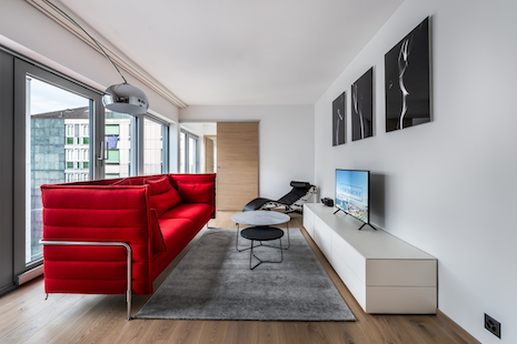 This apartment brand new is part of one of the latest building built in Geneva. It offers a separate bedroom, a lovely opened kitchen and a modern bathroom. It is on the 3rd floor of the building and located in the heart of the famous Pâquis area. The apartment includes two indoor bike spaces.