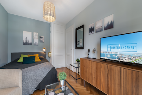 This renovated 1 bedroom apartment is situated in a lively district close to the train station, the international organisations and some consulting firms. It is well equipped, completely furnished and well connected to public transports.