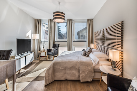 This beautiful studio that got recently renovated with a brand new kitchen and bathroom.It is located in Plainpalais, an arty and lively district with the university close by. In this street is located the house of the NGOs and many trendy bars are just around the corner.