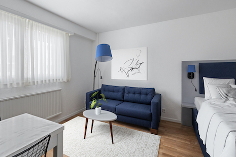 One of the brand new furnished studios located on the heights of Lausanne, in the very convienient La Sallaz, close to the Parc of l'Hermitage and the CHUV and a only a few minutes from the headquarters of multinationals.  This furnished appartment and equipped accommodation is located in a newly renovated residence that respects the environment, with a close access to greenery.