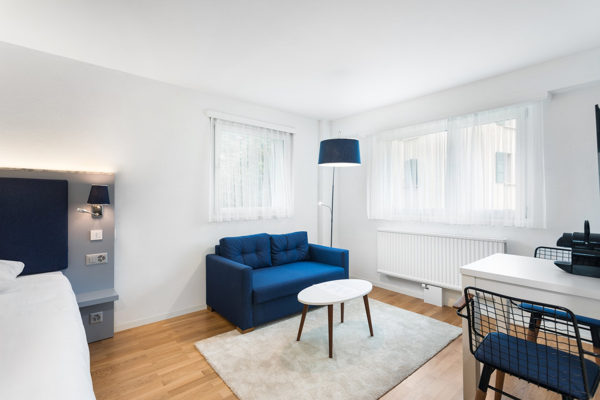 Beautiful brand new furnished studio.  Equipped to a high standard, this studio is located on the heights of Lausanne in a bu